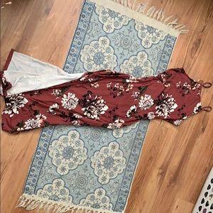 Dresses & Skirts - Maxi Dress 🥥SUMMER SALE🥥